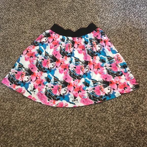 Wrapper Dresses & Skirts - Women's / junior size small print skirt 2 - hip